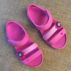 Little girl CROCS sandals in pink size 11